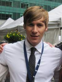 Drehbuchautor Dustin Lance Black - Quelle: Wiki Commons / Geoking66 / CC-BY-SA-3.0GFDL