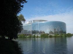 Das EU-Parlament in Straßburg hat bereits wiederholt Homo-Rechte gestärkt - Quelle: niksnut / flickr / cc by-sa 2.0