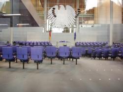 Als die Anträge debattiert werden sollten, war der Bundestag fast so leer wie auf diesem Bild - Quelle: Jacob Poul Skoubo / flickr / cc by-nd 2.0