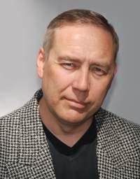Der Abgeordnete James Hirvisaari verteidigt seine Assistentin - Quelle: Wiki Commons / Dogah / CC-BY-SA-3.0