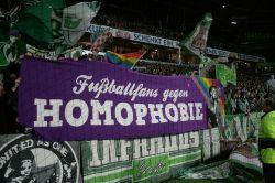 Fans von Tennis Borussia engagieren sich im Stadion gegen Homophobie - Quelle: FARE network / flickr / cc by-sa 2.0