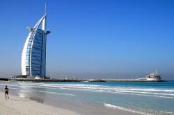 Wahrzeichen von Dubai: Luxushotel Burj al Arab - Quelle: kun0me / flickr / cc by-sa 2.0