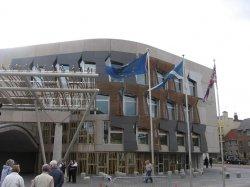 Das schottische Parlament in Edinburgh - Quelle: Wiki Commons / RonAlmog / CC-BY-2.0