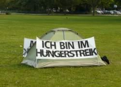 Ein Hungerstreik aus einem anderen Zusammenhang - Quelle: Wiki Commons / AxelHH / CC-BY-3.0