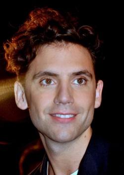 Ein quälend langer Coming-out-Prozess hat seinen Höhepunkt erreicht: Mika spricht erstmals über sein Schwulsein - Quelle: Wiki Commons / JJ Georges / CC-BY-SA-3.0