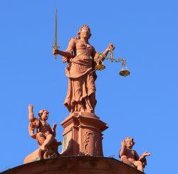 F�r den Bundesgerichtshof sind Mann-zu-Frau-Transsexuelle nur dann Frauen, wenn dies vom Gericht festgestellt wurde - Quelle: dierk schaefer / flickr / cc by 2.0