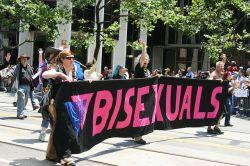 Au�enseiter in der Szene: Bisexuelle Teilnehmer beim CSD in San Francisco - Quelle: nerdcoregirl / flickr / cc by-sa 2.0