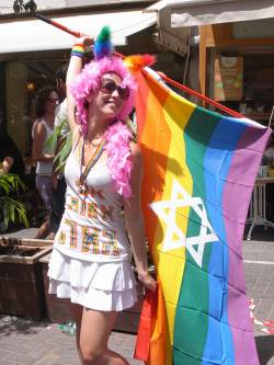 CSD-Teilnehmerin in Tel Aviv (2011) - Quelle: Nina J. G. / flickr / cc by-nd 2.0