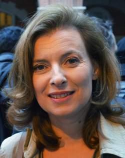 Auf einer Linie mit ihrem Freund, dem Präsidenten: Valérie Trierweiler - Quelle: Wiki Commons / Jackolan1 / CC-BY-SA-3.0