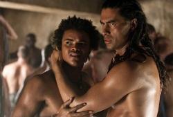 Echte Kerle, die auch knutschen k�nnen, im antiken Rom - Quelle: Starz Entertainment
