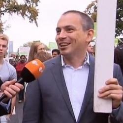 """2014 marschierte der damalige LSU-Landesvorsitzende Jurgen Daenens mit Holzkreuz beim """"Marsch f�r das Leben"""" mit � seine Vorstandskollegen distanzierten sich von der Aktion"""