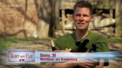 Denny will einen Mann in die brandenburgische Pampa locken - Quelle: RTL