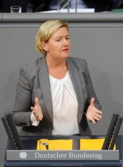 """Eva Högl: Homophobe Äußerungen von Naidoo sind """"abstoßend"""" - Quelle: Deutscher Bundestag/Achim Melde"""