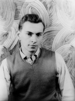 "Gore Vidal, 1948: mit seinem schwulen Roman ""Geschlossener Kreis"" sorgte für einen Skandal. - Quelle: Library of Congress, Prints & Photographs Division, Carl Van Vechten Collection, [reproduction number LC-USZ62-121307 DLC]"