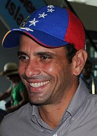 Oppositionsf�hrer Henrique Capriles wird von Mitglieder der Regierungspartei wegen seiner angeblichen Homosexualit�t kritisiert - Quelle: Wiki Commons / Wilfredor / CC-BY-SA-3.0