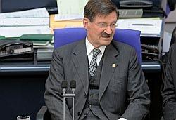 Bundestagsvizepr�sident Hermann Otto Solms (FDP) lehnt die Gleichbehandlung von Schwulen und Lesben ab - Quelle: Deutscher Bundestag/Lichtblick/Achim Melde