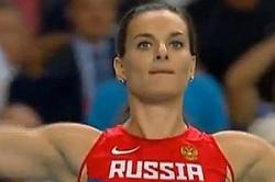 """Jelena Issinbajewa erkl�rte bei einer Pressekonferenz, dass Russland """"Propaganda"""" von Schwulen und Lesben nicht dulden d�rfe � nach heftiger Kritik ruderte sie einen Tag sp�ter zur�ck"""