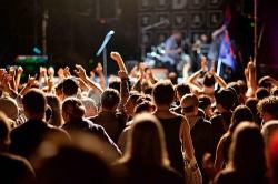 Das Jugendkulturfestival zieht alle zwei Jahre zehntausende junge Menschen an - Quelle: Brigitte Fässler