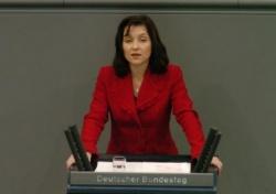 """Katherina Reiche (CDU): """"Erst andere beleidigen und dann heulen?"""" - Quelle: Deutscher Bundestag/Lichtblick/Achim Melde"""