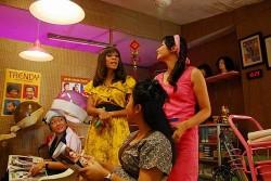 Schr�ges aus Indonesien: Madame X - Quelle: homochrom