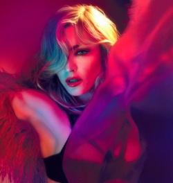 Madonna ist auf Welttournee und erz�rnt immer noch Moralapostel und Homo-Gegner