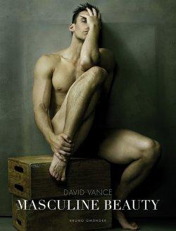"""Der Bildband """"Masculine Beauty"""" ist am 1. Mai 2015 im Bruno Gm�nder Verlag erschienen"""