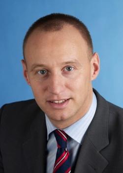 """Flog aus dem FDP-Bundesvorstand und musste um einen ausscihtsreichen Listenplatz k�mpfen: Michael Kauch, die """"schwule Stimme der Liberalen"""""""
