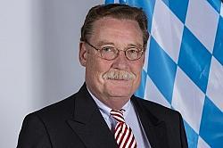 Philipp Graf Lerchenfeld hält die Diskriminierung von Homosexuelle für gerechtfertigt - Quelle: Wiki Commons / Leonie Rabea Große / CC-BY-SA-3.0-DE