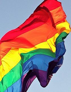 Bereits mehrfach haben Unbekannte die LGBT-Flagge entwendet - Quelle: gazeronly / flickr / cc by 2.0