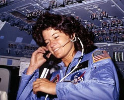 Houston? Wir haben ein Coming-out! Sally Ride in den Achtzigern - Quelle: Wiki Commons / Yann / CC-PD-MarkPD US Government
