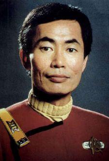 George Takei spielt seit fast einem halben Jahrhundert Hikaru Sulu, den Steuermann des Raumschiffs Enterprise - Quelle: Paramount