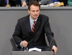 G�nter Krings ist auf dem Kriegsfu� - Quelle: Deutscher Bundestag/Lichtblick/Achim Melde