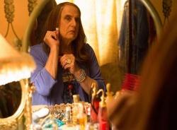 """""""Transparent"""" erzählt die Geschichte vom späten Coming-out von Maura Pfefferman (Jeffrey Tambor) als transsexuell - Quelle: Amazon Studios"""