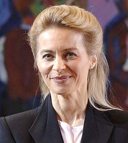 Allein auf weiter Flur: CDU-Arbeitsministerin von der Leyen sprach sich f�r das volle Adoptionsrecht aus