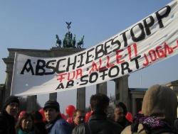 Demo gegen Abschiebungen in Berlin - Quelle: zeitrafferin / flickr / cc by 2.0