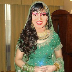 Asifa Lahore ohne Schleier
