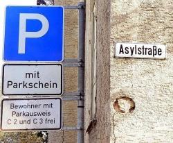 Der Weg zur Anerkennung als Flüchtling ist steinig: Asylstraße in Schwäbisch-Gmünd