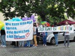 Friedlicher Protest gegen die vierte Kundgebung der Bildungsplan-Gegner in Stuttgart