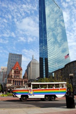 Stadtrundfahrt durch Boston mit der Boston Duck Tour - Quelle: Greater Boston Convention & Visitors Bureau