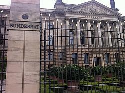 Am Freitag debattiert der Bundesrat über die Ehe-Öffnung für schwule und lesbische Paare - Quelle: Oliver Ponsold / flickr / cc by 2.0