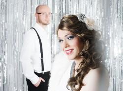 Seite an Seite auf der Bühne: Herr Cosler und Cassy Carrington