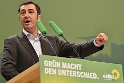 Der Parteivorsitzende Cem �zdemir sieht die CDU als 50er-Jahre-Partei