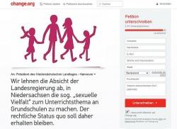 """Vorbild ist die """"Demo f�r alle"""" aus Baden-W�rttemberg: Die neue Online-Petition verlinkt zu den homophoben Einpeitscherinnen Birgit Kelle und Gabriele Kuby"""