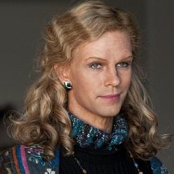 �berzeugend auch in einer weiblichen Rolle: Ben Whishaw als Georgette - Quelle: Cloud Atlas Production
