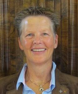 Constance Ohms, Jahrgang 1961, gilt europa�weit als eine der wenigen Expertinnen im Bereich der Antidiskriminierungs�politik sowie h�uslicher Gewalt in gleich�geschlechtlichen Partnerschaften