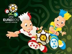 Die EM-Maskottchen haben kein Problem mit Manndeckung - Quelle: UEFA