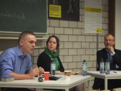 Jan Feddersen (l.) und Volker Beck bei der Diskussion von Amnesty International - Quelle: Norbert Blech