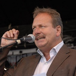 verdi-Chef Frank Bsirske ist Schirmherr der Podiumsdiskussion am kommenden Mittwoch - Quelle: hellercom / flickr / cc by 2.0