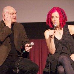 Lilly (li.) und Lana Wachowski im Jahr 2012 - Quelle: Wiki Commons / Anna Hanks / CC-BY-SA-2.0