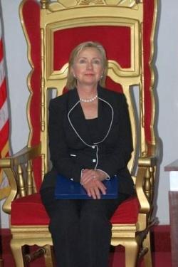 Im Juli wird Hillary Clinton den schwul-lesbischen Thron besteigen - Quelle: IIP State / flickr / cc by-sa 2.0